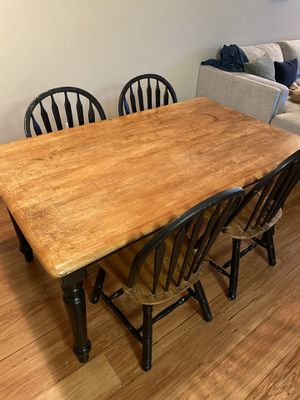 Beautiful Kitchen Table with Matching Chairs Included! for Sale in Pasadena, CA