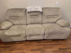 Sofa w/ 2 end recliners -Beige/ tan color for Sale in Hartford, CT