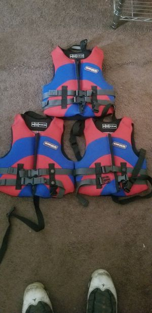 Lifejackets 30 to 50 Lbs for Sale in Cleveland, OH