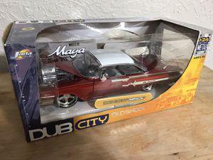 2002 Jada Old Skool 1960 Chevy Impala die cast 1:24 for Sale in Houston, TX