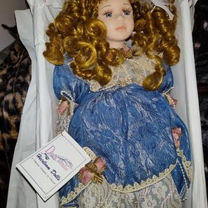 Porcelein Duck House Doll for Sale in Tampa, FL
