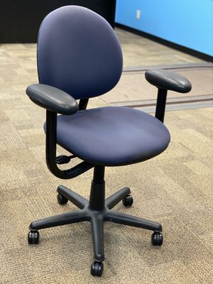 3 office room chairs for Sale in Brecksville, OH