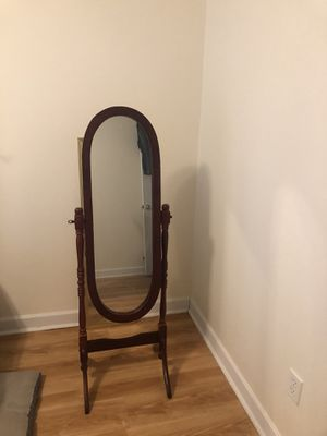 Antique vintage Mirror for Sale in Midway, GA