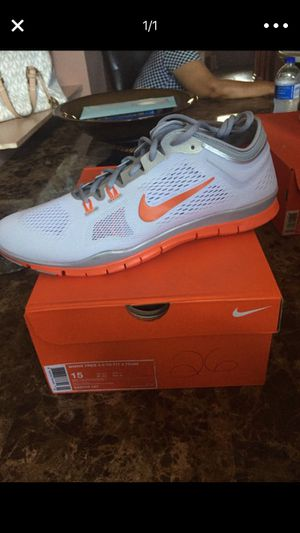 New nike men's shoes for Sale in St. Louis, MO