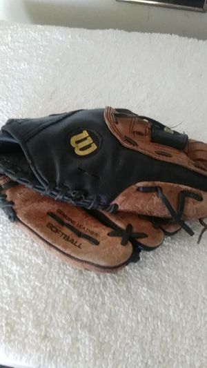 Wilson SoftBall Genuine Leather Glove. for Sale in Chicago, IL