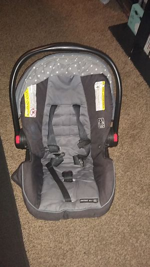 4-30 lbs Graco car seat for Sale in Mauldin, SC