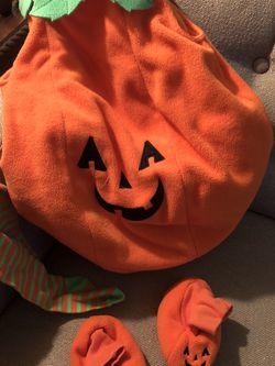 Children's Place Pumpkin Costume 12-18mo for Sale in Elmhurst,  IL