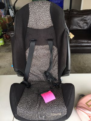 Car seat for Sale in Fort Wayne, IN