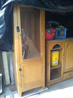 Curio cabinet for Sale in Modesto, CA