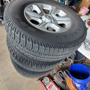 Toyota 4 Runner Wheels. 17in 6x137 for Sale in Federal Way, WA