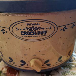 Vintage Rival 5 Quart Crock Pot Slow Cooker -PineappleRob for Sale in Las Vegas, NV