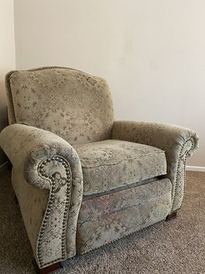 Barcalounger recliner for Sale in Bend, OR