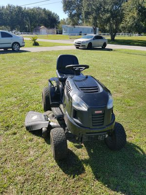 Craftsman LT2000 Riding Mower for Sale in Zephyrhills, FL