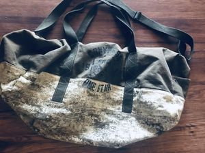 Converse duffle bag for Sale in Fresno, CA