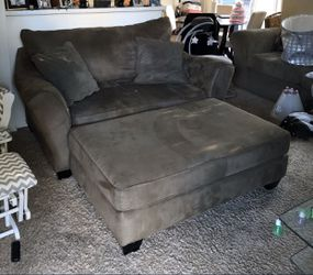 Couch with Ottoman (2 Pillows Included) for Sale in Columbus,  OH