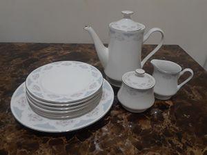 Tea pot set + platter + 6 serving plates for Sale in Lansdowne, VA