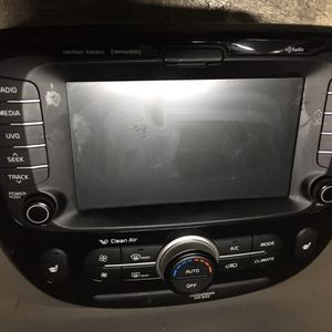 Hyundai Stereo System With GPS, Climate Control And Assemblies Oem Fits 2015-2018 for Sale in Downey, CA