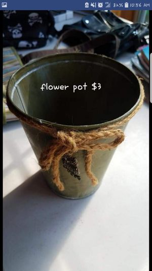 Flower pot for Sale in Groveport, OH