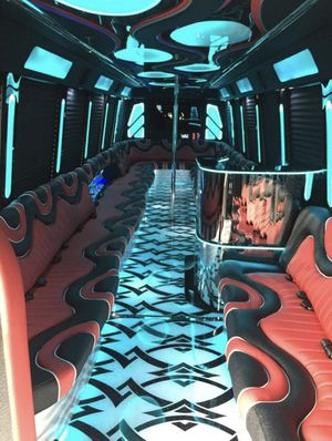 Party Bus!! 10-30 passengers! for Sale in Lynwood, CA