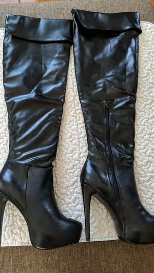 NIB Charlotte Russe Chantel Thigh High platform Boots for Sale in Downey, CA