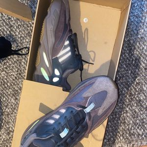 Yeezy 700 Boost for Sale in Bothell, WA