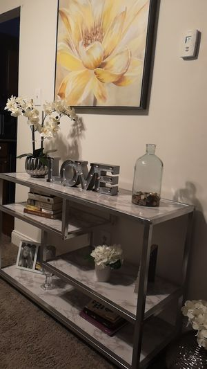 Sofa Entry Table, 3-Tier Gold Console Table with Faux Marble Veneer for Sale in Edgewater Park, NJ