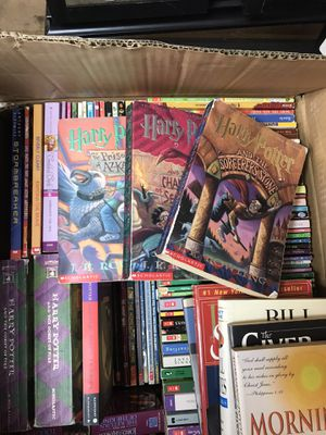 Whole box used books ..harry potter for Sale in Rowland Heights, CA
