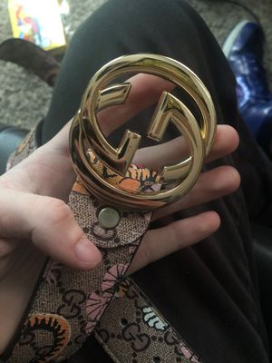 Gucci bangled GG supreme belt for Sale in Crystal Lake, IL