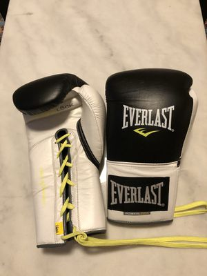Everlast 16oz laced gloves — never used for Sale in Tamarac, FL