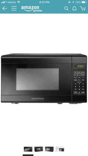 Moving sale - microwave for Sale in Chicago, IL
