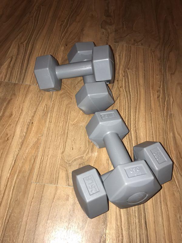 2.5lb dumbbells wieghts ( 2 set)