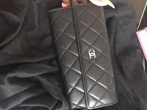 Barely used Chanel Wallet ! for Sale in Baltimore, MD