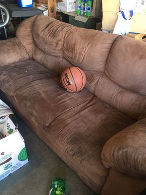 Free Couch and Loveseat set for Sale in Stockton, CA