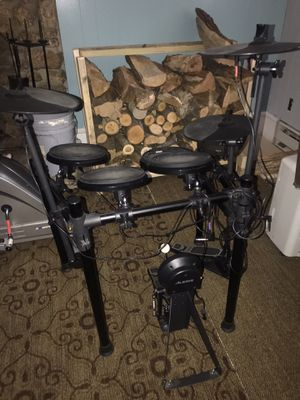 Alesis Electric Nitro Drum Set for Sale in Mount Airy, MD