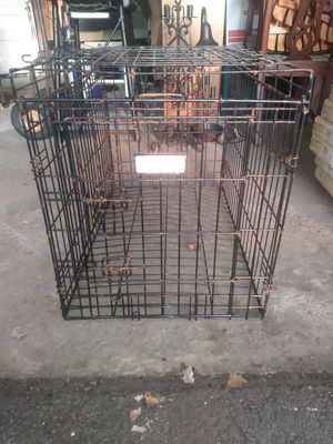 Dog crate (med) for Sale in North Olmsted, OH