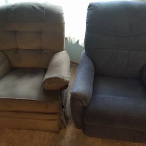 2 Recliners for Sale in Bothell, WA