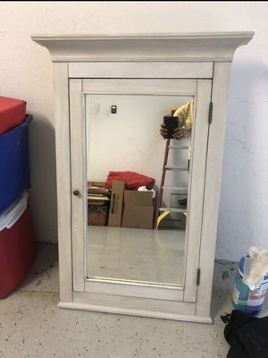 Brand new bathroom wall medicine cabinet for Sale in Tampa, FL