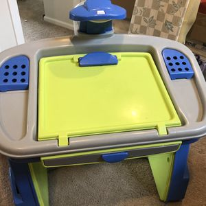 School Desk for Sale in Puyallup, WA