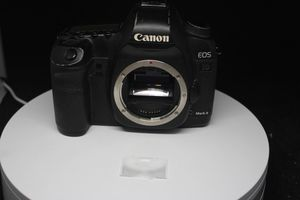 Canon EOS 5D Mark II 21.1 MP Body Only DS126201 for Sale in Los Angeles, CA
