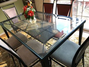 Free Bed with 6 Chairs Dining set for Sale in Trenton, NJ