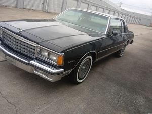 82 Chevy caprice classic for Sale in Fairview Heights, IL