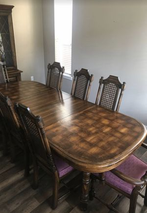 Dining Room Table and 8 Chairs for Sale in Edgewood, WA
