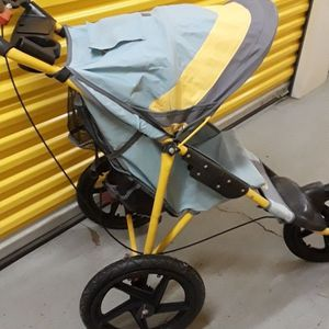 InStep jogging / fitness stroller for Sale in Nether Providence Township, PA