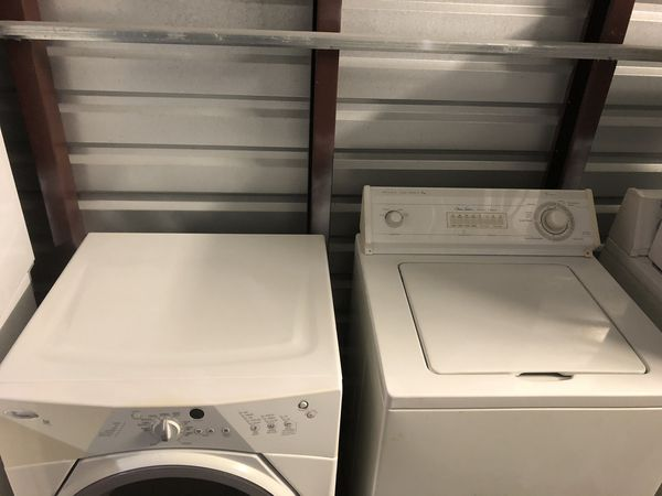 Great working condition Whirpool washer & gas dryer set ( warranty )