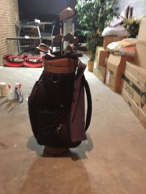 Right hand golf clubs for Sale in Raleigh, NC