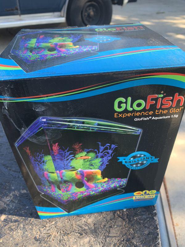 GloFish Crescent Hidden Blue LED Light & Internal Filter Aquarium