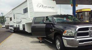 2014 41 foot fifth wheel for Sale in Colbert, OK