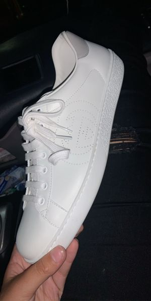 Gucci White And Grey Shoes for Sale in Tacoma, WA