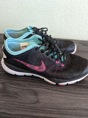 NIKE WOMENS TRAINING FLEX SUPREME TR4 - size 8.5 for Sale in Victorville, CA