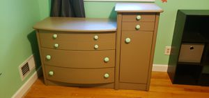 Children's dresser for Sale in Kenosha, WI